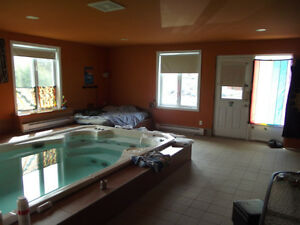 Maison avec garage et bassin d eau !!! Saguenay Saguenay-Lac-Saint-Jean image 8