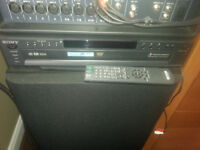 Sony 5 Disc carousel (DVD / MP3) with remote...Mint