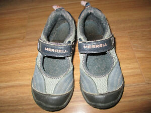 Merrell girls velcro shoes