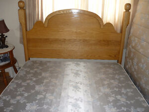 Queen Size Headboard (Custom Made  Oak)