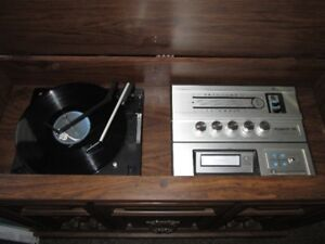 selling cabnit record player