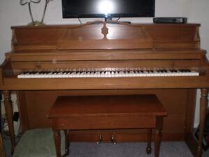 Mason & Risch classic  piano 1965
