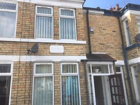 NEWLAND AVE, two bedroom house, £440 pcm