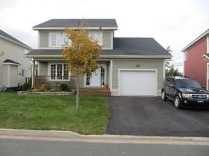 Beautiful 2-Storey Home in Sought After Clovelly Trails