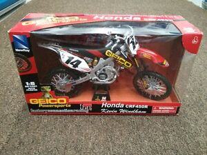 2010 HONDA CRF450R - 1.6 SCALE GEICO London Ontario image 1