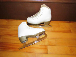 Girls Risport Figure Skates like new size 12-13 fit size 11-12