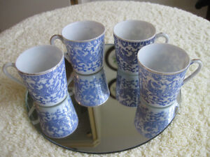 SET of FOUR OLD VINTAGE HAND PAINTED ORIENTAL MINI CHINA CUPS