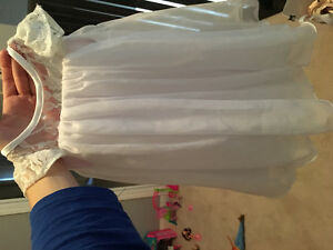 Brand new White baby dress size 6-9 months