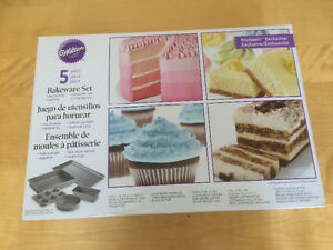 5 Piece Baking Set! Never used, still in the box!!!