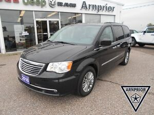 2016 Chrysler Town & Country Touring-L
