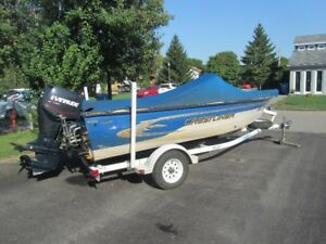 Bateau de Peche Fishing Boat