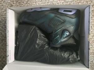 AIR JORDAN 6 RETRO Shoes SIZE: 10.5 (Brand New)
