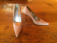Steve Madden high heel shoes- new condition