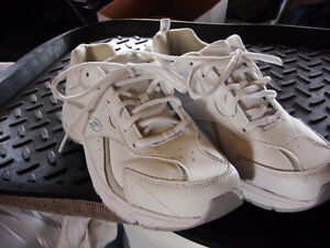 your pick of two Scools sneakers size 8