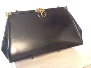 Vintage purse with brass clasp