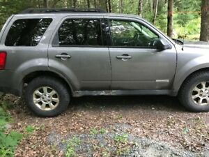 Mazda Tribute, Needs Work But Still in Good Condition