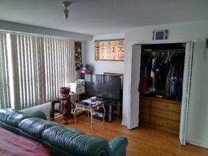Available now Weston rd/Wilson avenue for rent very good, clean,