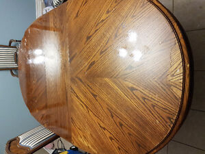 Real wood 6 chair extenable dining table