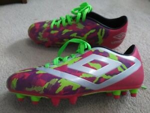 Umbro Women Soccer Cleats Size 6 For Sale, Great Conditon!