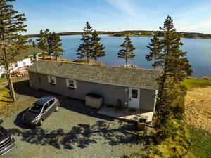 LAWRENCETOWN - BEAUTIFUL 2 BEDROOM LAKE FRONT HOME!