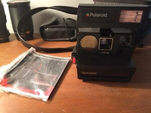 VINTAGE POLAROID WITH LEATHER CASE AND MANUEL