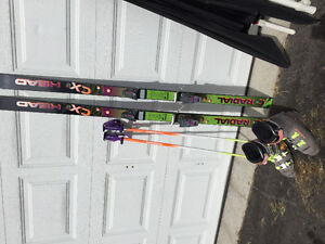Skis/boots/poles/bag