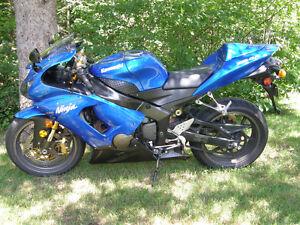 MOTOCYCLE  KAWASAKI  ZX 6 R  NINJA  2005