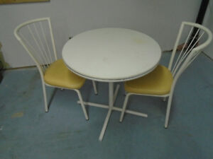 Dinette table and  2 chairs, ideal for small areas