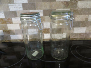 2 glass jars with strong seals