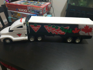 Canadian Tire moving semi truck w. Lights