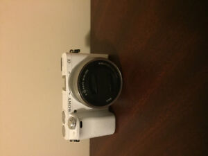 SONY ALPHA A6000 W/16-50MM LENS (WHITE)