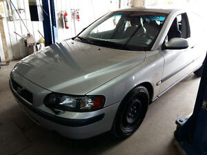 2003 Volvo S60 2.5 AWD Berline 140 000km seulement