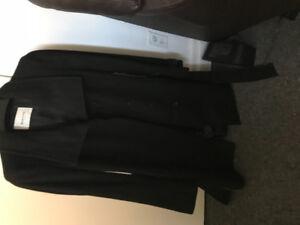 Black Babaton women coat from Aritzia
