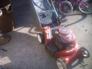 Tondeuse Craftsman 6,5hp a traction,