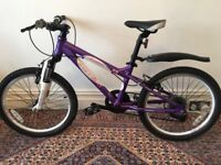 Child's clean Luna Carrera mountain bike (bicycle) with 7 gears and front suspension