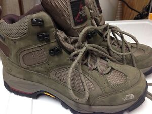 North Face ladies hikers Size10 brand new! Kitchener / Waterloo Kitchener Area image 2