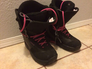 Gently used women's Rossignol boots, size 8