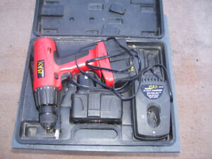 Power max 18v drill with 2 batteries