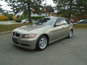 2008 BMW 323i, LEATHER, MOONROOF & HEATED SEATS, 6Spe M
