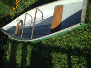 16 foot fibreglass canoe square back Seling as isPrice firm