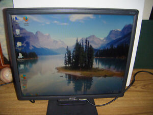 19 inch Acer lcd flatscreen monitor for sale