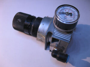 Air Pressure Regulator 0-10bar 1/8-NPT Fittings USED