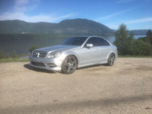 2011 Mercedes C300 4matic (AWD) Sedan w Sport Package