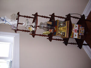 Mahogany in excellent condition corner 5 shelf -$75 or OBO