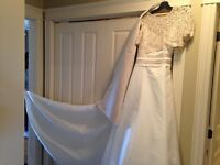 WEDDING GOWN 3 pcs Designer Alford Angelo Size 12