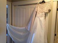 WEDDING GOWN 3 pcs Designer Alford Angelo Size 12