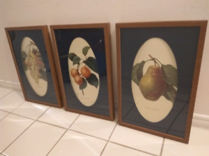 3 prints with frames