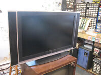 """V7 37"""" LCD Flat Screen HD TV Television Exc. Condition"""