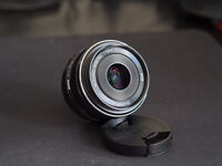 Olympus m.zuiko 17mm f1.8 with lens hood mint condition