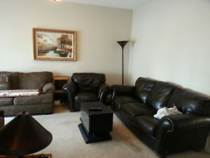 Spacious Three Bedroom Townhouse With Large Kitchen